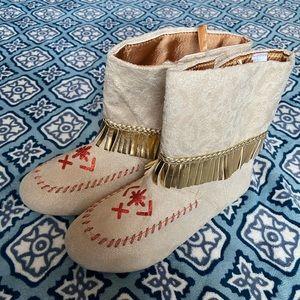 Pocahontas Size 2/3 Disney Costume Shoes Boots